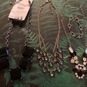 Lot of 4 Jewelry Pieces